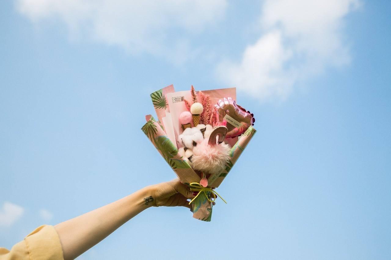 女生18岁生日礼物送啥?几款少女心的礼物推荐