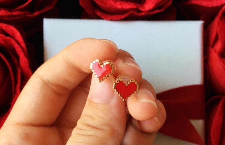 送女孩子什么礼物好,几款漂亮耳环推荐