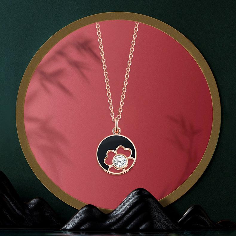卡蒂罗故宫上新四叶草项链,送女朋友气质刻字生日礼物